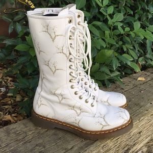 Dr Martens 12381 White Laser Floral Barbwire Boots